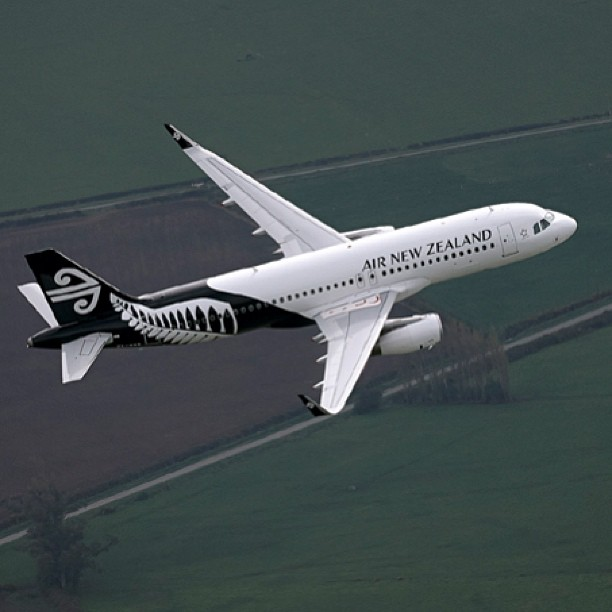 Air New Zealand's first aircraft - A320 ZK-OXB - in the carrier's new fern livery. Image: Air New Zealand.